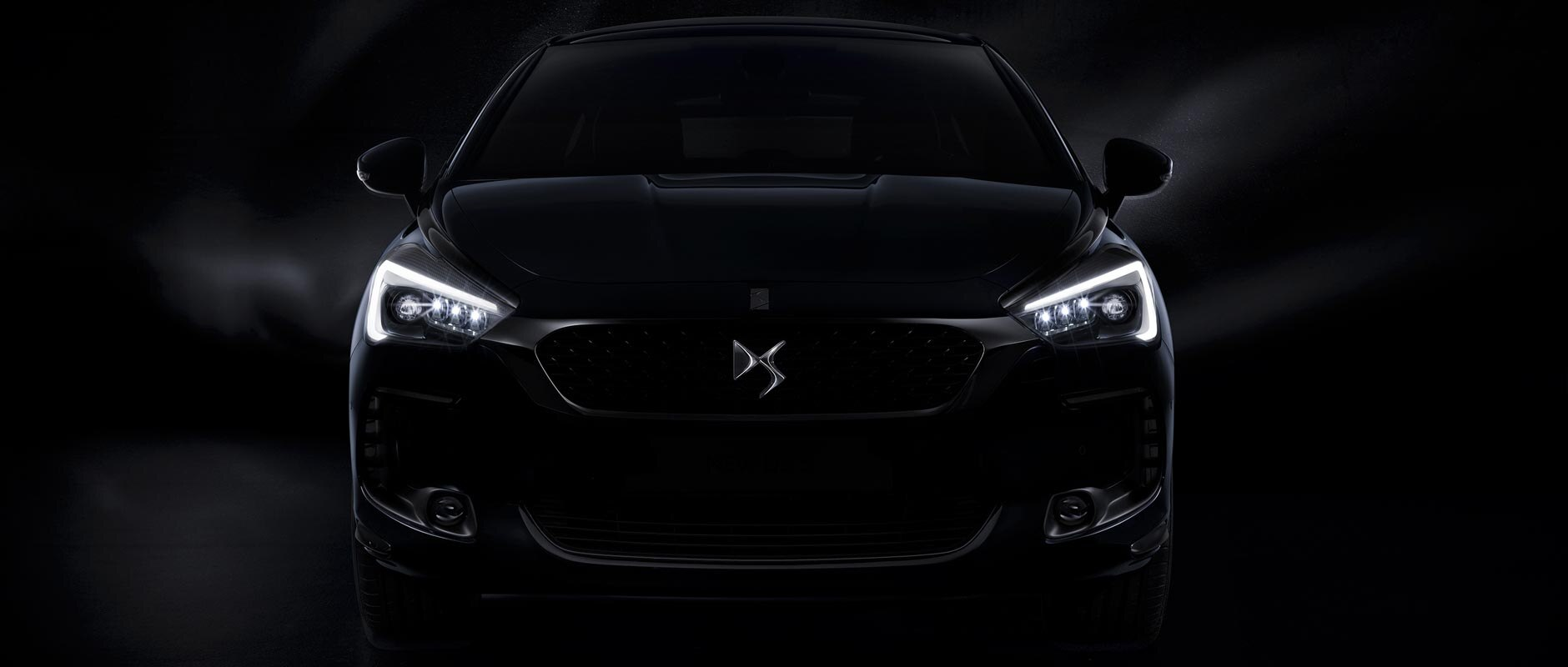 1880X800-New-DS5-Details-Techno-FEUXCommutation